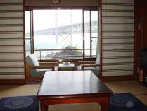 大鳴門橋と鳴門海峡が一望できます。