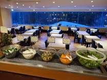 【夕食】ディナーバイキング/お好みの野菜でサラダ♪※イメージ