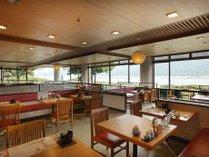 レストラン「厳島」店内