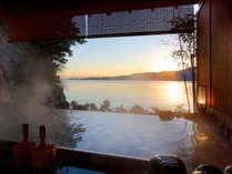 【望厳の湯】貸切露天風呂1回45分3800円、世界遺産を望む絶景!