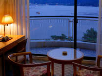 【海側ツイン】宮島を望むツインルーム(バルコニー3平米含)