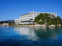 ホテルは直接海に面しております。ここには瀬戸の雄大な自然を堪能する最高の眺望があります。