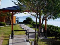 瀬戸内海の景色と潮騒が気持ち良い休憩所