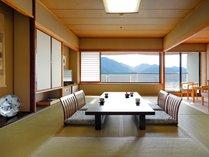 【和室12畳】宮島と瀬戸内海を望む和室