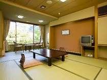 金華山側和室