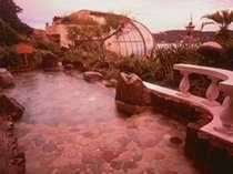 夕景の7F展望露天風呂