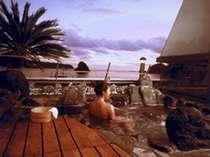 東館客室専用露天風呂は開放感でいっぱい!