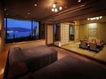 露天風呂付客室・黒船スイート。120平米の広さは贅沢な空間。
