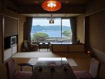 下田港を見下ろすセンター館客室