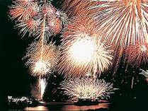 【黒船祭】迫力満点の花火大会♪ソファに腰掛け各お部屋内から見ることができます♪