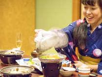 「もうそろそろかな?」ぐつぐつ煮立つお料理に食欲そそる♪海の幸と旬の食材をふんだんに使った品々
