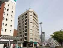 福井駅東口から徒歩1分、ビジネスや観光地の拠点として最適