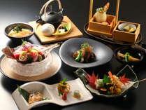 旬の新鮮な海の幸と、自然豊かな鴨川の野菜を使った夕食和会席(一例)