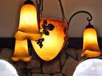 レストランの灯・・