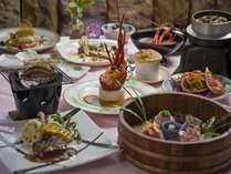 特選ディナー。通常ディナーに伊勢海老・アワビ料理が加わります♪