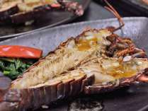 特選ディナーの伊勢海老のお料理はこの日は浜焼きでした。