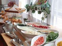 自慢の和洋折衷朝食バイキング(洋食)!皆様からの高い評価深く感謝申し上げます。