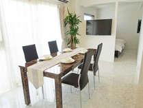 約40平米のお部屋に、テレビ2台、洗濯機・乾燥機までご用意しております。