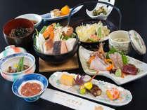 *【スタンダード会席:(一例)】全9品。四季ごとに食材・お料理内容を変え、旬の味覚をご提供します。