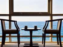 *和室10畳一例/水平線が美しい日本海を独り占め。