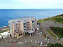 ◆【外観】空撮。天気のいい日には佐渡島も見えます。