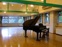 当館には80帖の音楽ホールがございます。部活やサークルに最適!