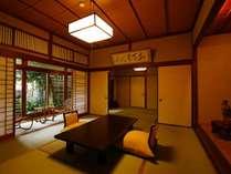 銘木を使用し建てられた特別室「館山荘(たてやまそう)松の間」懐かしい雰囲気の純和室
