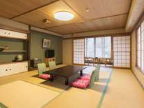 *【部屋(和室15畳)2】ゆったりとした和室で足を伸ばしてのんびりと。