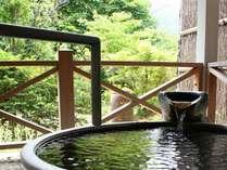 ■【貸切風呂】貸切家族風呂は森林浴のように近くで緑を感じられます