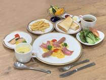 和食セットもしくは洋食セットとなります。例:洋食セット
