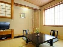 【こじんまり和室(6畳)バス・トイレ付】お1人でご滞在のお客様に人気のお部屋です。