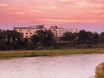 【連泊2泊4食】火曜・旭川駅前発無料シャトルバスで十勝川モール温泉を満喫