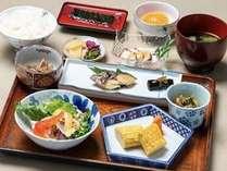 日替わり健康朝食は午前6時半からお召し上がりいただけます.