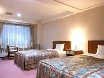 ツインルーム 18㎡   2ベット完備♪     全室Wi-Fi完備♪心の休まる温かな色調のお部屋です