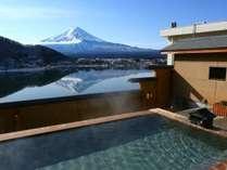 露天風呂から望む富士山