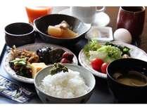【和食レストラン・魚沼釜蔵】バイキング式です。