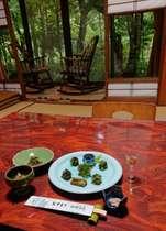 山の幸をふんだんに使った山菜料理は体に優しく他では食べることのできない美味しさです。