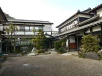 梅田荘全景