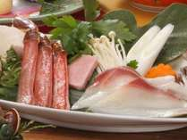 鰤と蟹のしゃぶ鍋(写真は2人前)