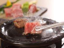 【島根和牛ステーキ】鮮やかな色合いときめ細やかな「霜降り肉」、深いコクと風味豊かな味わい♪
