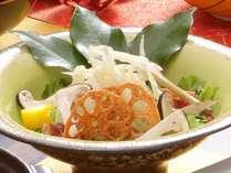 【秋の花暦会席2019】白魚と松茸のサラダ仕立て
