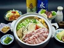 人気の戸狩鍋を中心に地元の食材を活かした料理をご用意