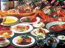 旬の食材を使った料理長自慢のコースディナー。好評の金目鯛料理は2名で丸ごと1尾!別注有(要問)