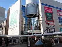 JR町田駅北口は繁華街です。