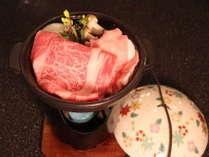 信州牛と白馬豚の陶板焼き