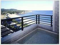 7階と8階の上層階にある露天風呂付客室からの眺めは絶景!