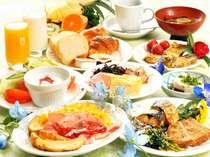 一日の活力となる朝食(和洋バイキング)お料理の種類も多く人気!