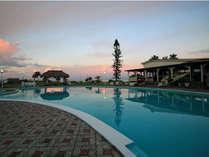 【屋外プール】沈む夕日と…ゆったりとした時間をお過ごしくださいませ