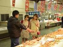 境港の市場では新鮮なお魚が買えます♪