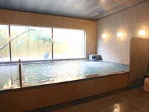 【【大浴場(桜湯)】ミクロの泡がお肌に心地良いシルクバスを備え付けています(毎日朝と晩に男女入替)